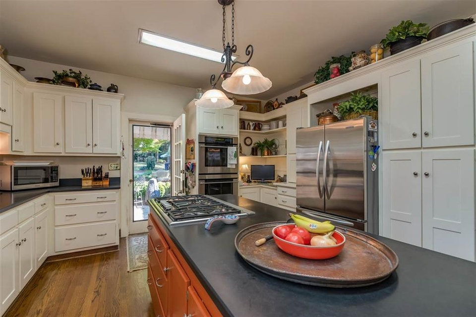 Kitchen - Island, Stovetop, Oven, Refrigerator