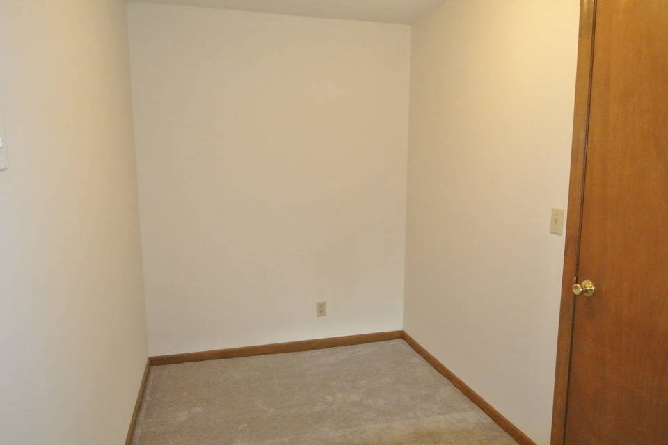 Small Room in Basement - Heated