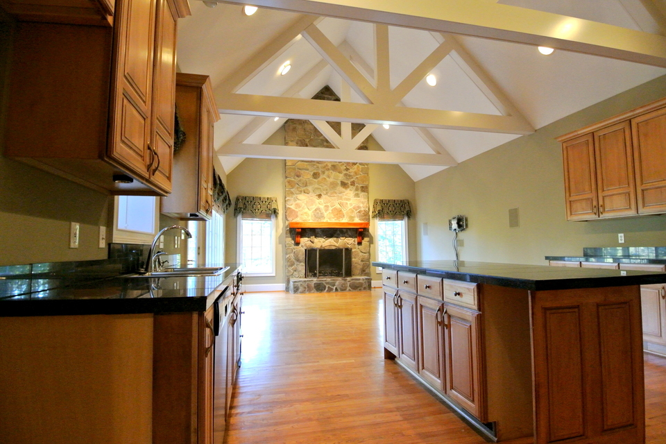 Kitchen - Work Island, Vaulted Ceilings