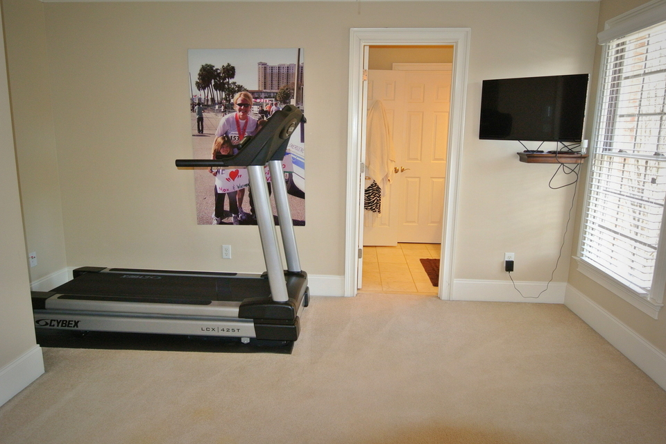 Room with Treadmill
