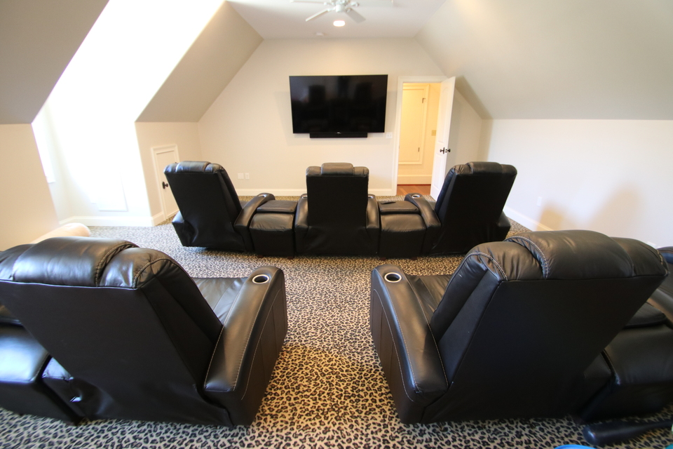 Bonus - Theater / Media Room