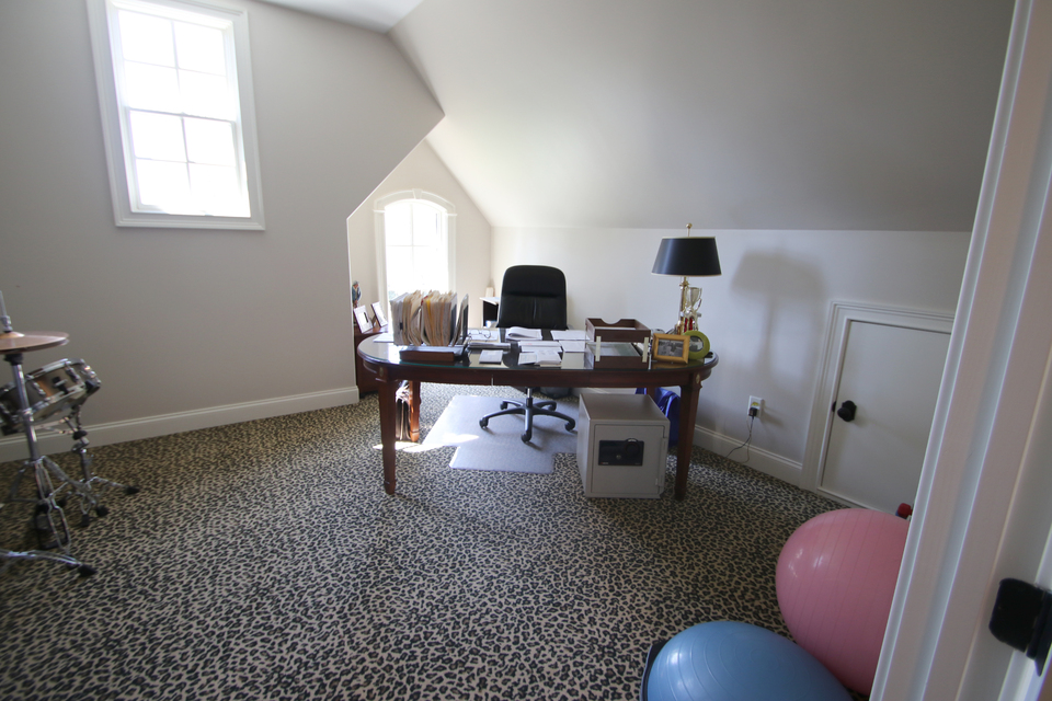 Office/Study - Possible 4th Bedrom