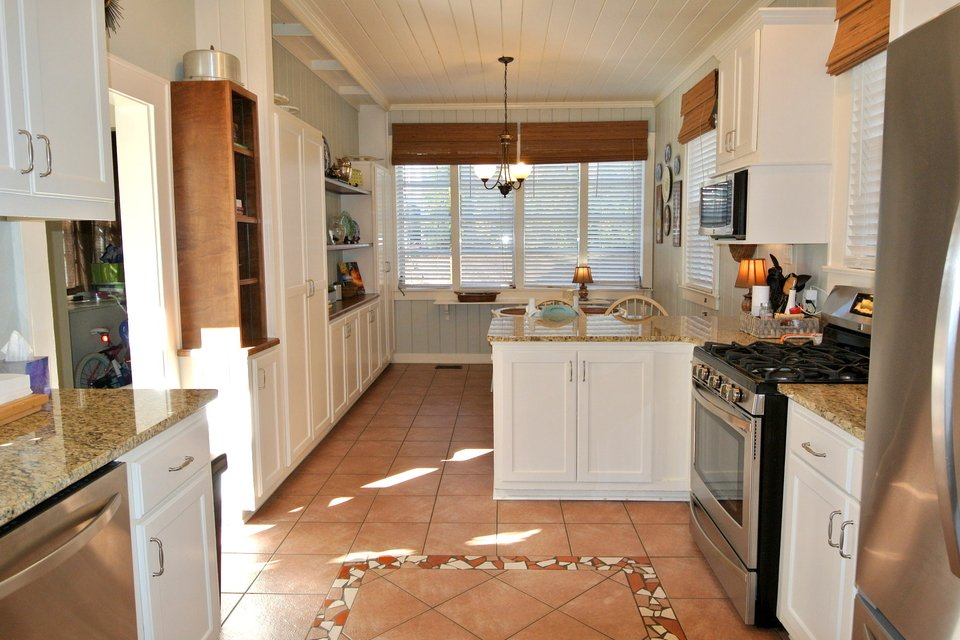 Kitchen - Oven, Solid Countertops