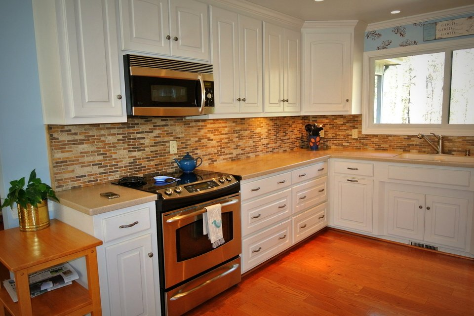 Kitchen - Stainless Steel Oven, Backsplash