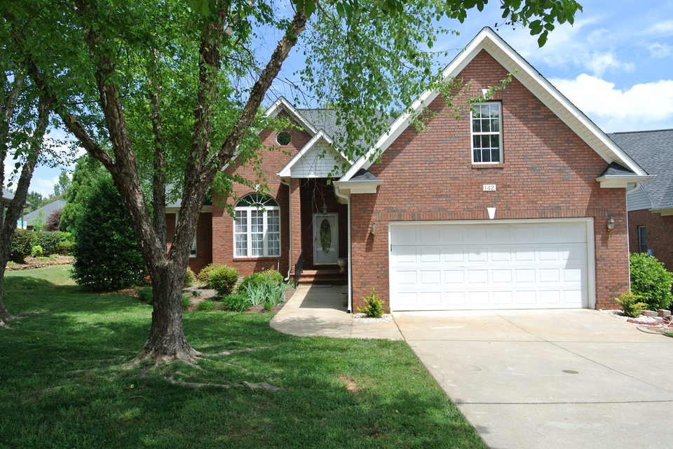 142 ROBERTS MEADOW LOOP Spartanburg SC