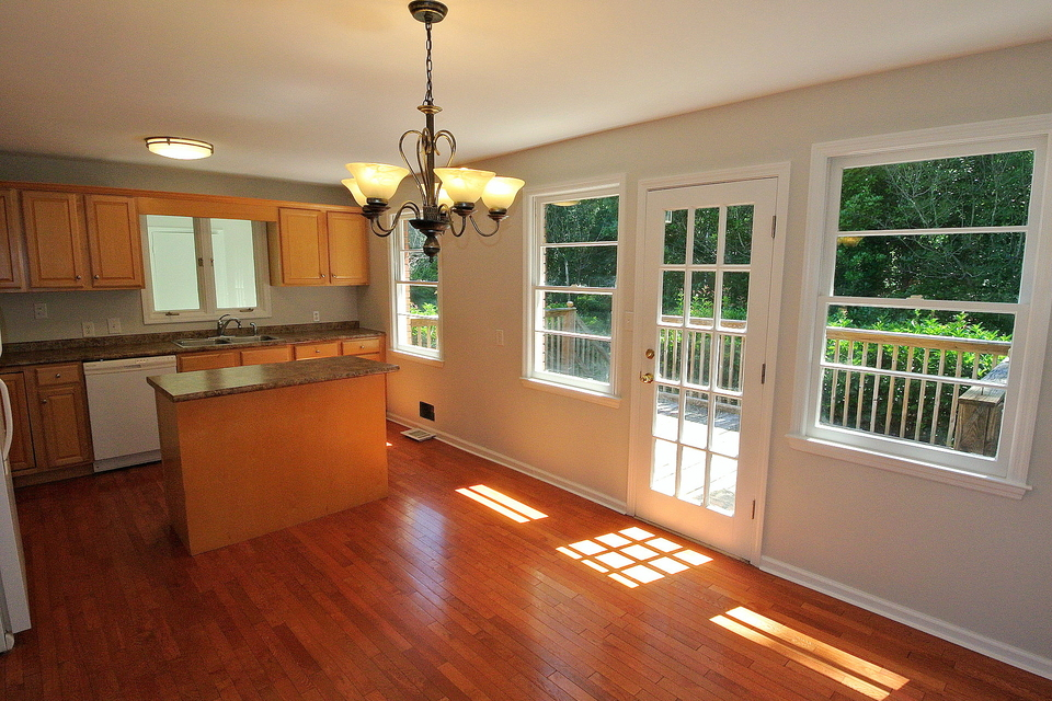 Kitchen - Island, Lots of Natural Lighting, Cabinet space